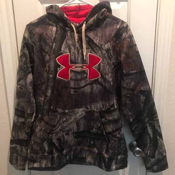buy online 71dc7 71a0a NWT Under Armour Women s Camo Hoodie